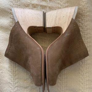 DOLCE VITA • Tegan wood heel mule